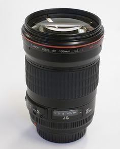 Canon EF 135mm f/2 L USM - Telephoto prime lens