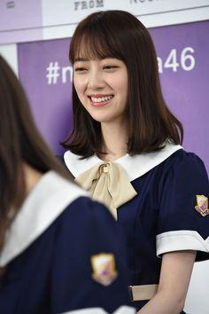 堀未央奈 School Uniform Girls, High School Girls, School Uniforms, Idol, Hair Styles, Music, With, Sailor Moon, Fashion