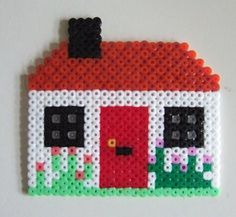 Fancy a Cottage? Escape to the countryside with a look at this beautiful Cottage! This doesn't take as long to create as our Hama Bead Homes as it's a lot smaller in size – so sh… Perler Beads, Perler Bead Art, Fuse Beads, Hama Beads Design, Hama Beads Patterns, Beading Patterns, Hamma Beads Ideas, Iron Beads, Melting Beads