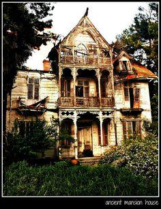 ancient mansion house by Halit Volkan Cengiz, via Flickr