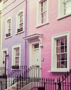 London Print Chelsea Girls Travel by EyePoetryPhotography Interior Pastel, Ville Rose, Chelsea Girls, Pink Houses, Colorful Houses, White Houses, Dream Houses, London Art, London Style