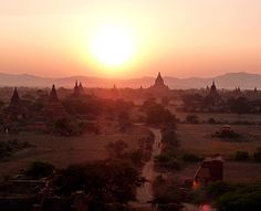 I panorami più spettacolari del mondo. Bagan, tramonto sui templi © Fotografia di Riccardo Calzavara