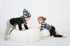 Black clouds beanie and scarf, cool kid longsleeve, off white scribble harems, black clouds sweater, black harems. Zreefer.nl