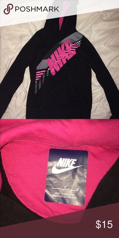 Nike pullover sweatshirt Black pullover, super comfy but too small for me. Still in great condition Nike Jackets & Coats