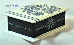 Caja azul, con starcido referencia colores y stencil