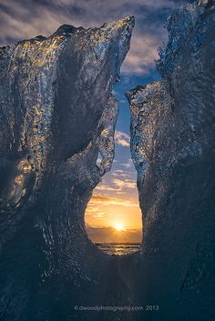 Icelandic Sunrise - This is a shot from the beach along the Atlantic Ocean just south of Jökulsárlón, Iceland All Nature, Amazing Nature, Beautiful World, Beautiful Places, Foto Art, Beautiful Sunrise, Natural Wonders, Belle Photo, Beautiful Landscapes