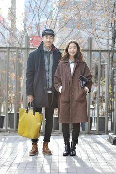 Streetstyle: Lee Ui Su and Lee Ho Jeong shot by Choi Seungjum. | #k-fashion #kfashion #korean #fashion #korea |