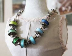 bobbin crafts | Something Created Everyday has a very interesting and unique necklace ...