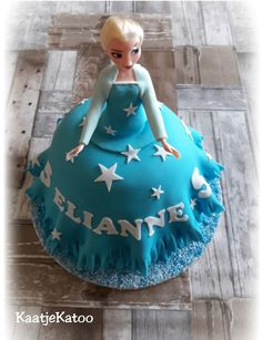 Elsa taart (Frozen) Elsa, Frozen, Cake, Desserts, Food, Cinderella, Tailgate Desserts, Deserts, Food Cakes