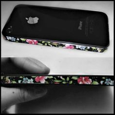 I'm so going to do this with washi tape on my iPhone