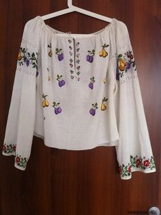Vintage traditional Romanian blouse (IIE) -- 80 years old -- Oltenia Regions Folk Costume, Costumes, Bell Sleeve Top, One Piece, Cosmetics, Traditional, Popular, Embroidery, Vintage