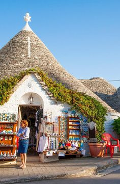 Alberobello India Travel, Italy Travel, Religious Architecture, Holiday Places, Amalfi, Places To Travel, Beautiful Places, Europe, Vacation