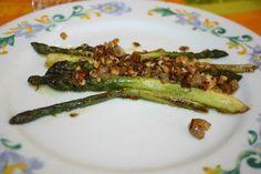 asperges vertes au beurre d'échalotes ciselées et noisettes
