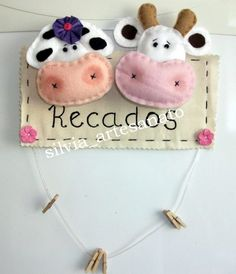 Dia das Mães em Feltro Baby Crafts, Felt Crafts, Diy And Crafts, Sewing Projects For Beginners, Projects To Try, Felt Bookmark, Christmas Crafts, Christmas Ornaments, Felt Decorations