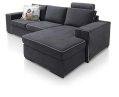 Sit down on this comfortable Delaware sofa. For a special effect, you can choose the piping in your own colour!