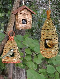 These woven bird houses are super cute and would indulge my love of welcoming nature into the garden x