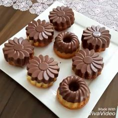 Food Decoration, Mini Cupcakes, Muffin, Breakfast, Instagram Posts, Desserts, Places, Cake, Morning Coffee