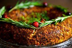 Vegan Christmas Roast - the best vegan nut roast for your festive table Healthy Recipes, Vegan Dessert Recipes, Veggie Recipes, Vegetarian Recipes, Free Recipes, Cooking Recipes, Vegetarian Nut Roast, Vegan Roast Dinner, Christmas Roast