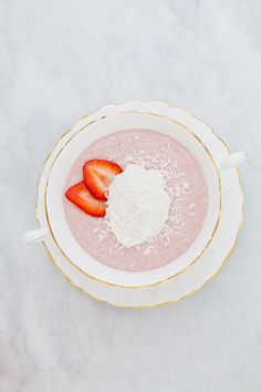 strawberry coconut chia pudding