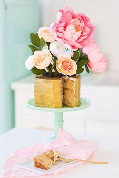 Easter Style with Maison Jules & a DIY Modern Potted Flower Cake Pretty Cakes, Beautiful Cakes, Food Styling, Cheap Clean Eating, Apple Smoothies, Cake Images, Holiday Cakes, Easter Brunch, Easter Table