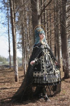 Arcadian Deer -Nightmare at Daybreak- Classic Gothic Lolita OP Dress (NOTE: Will Be Ready For Shipping in December! Big Fashion, Womens Fashion, Fashion Trends, Fashion Images, Ladies Fashion, Rock Fashion, Retro Fashion, Fashion Ideas, Real Costumes