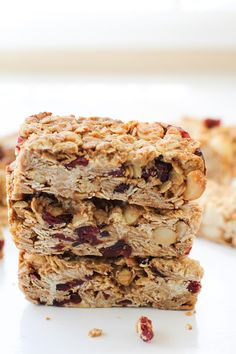 Cranberry White Chocolate Macadamia Nut Granola Bars   theroastedroot.net Healthy granola bars made with rolled oats and honey @bobsredmill @roastedroot