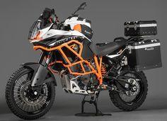 KTM stuffed their 180 HP Motor into a Adventure bike . 155 Mph plus on/off bike. Vintage Harley Davidson, Motorcycle Camping, Camping Gear, Street Bikes, Road Bikes, Ducati, Moto Enduro, Scrambler, Enduro Motorcycle