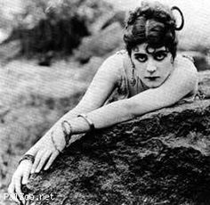 Theda-Bara's Gallery » theda bara silent film actress » PalZoo.net Celebrity Database | Celebrity, Entertainment Photos,Videos,News (Powered by phpFoX)
