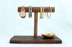 DIY Jewelry Stand-FREE Tutorial   rogueengineer.com/ #Jewelry Stand #DecorDIYplans