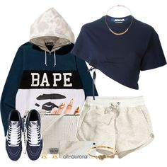 A fashion look from May 2015 featuring Jacquemus t-shirts, H&M shorts and Chanel shoulder bags. Browse and shop related looks.