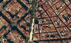 #Urbanismo Encuentro entre las 2 tramas urbana de Barcelona. La manzana cuadrada #Cerdá frente a la manzana histórica pic.twitter.com/1ylycBKdK3