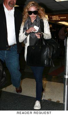 <3 the whole look. kicks, skinnies, blazer, scarf = comfy casual