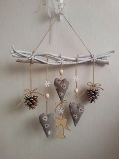 Nifty Crafts, Diy Home Crafts, Holiday Crafts, Rustic Christmas, Handmade Christmas, Christmas Crafts, Clay Christmas Decorations, Heart Decorations, German Decor