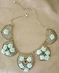 22a7c4149e1957 Ketten mittellang - Vintage Statement-Kette Blue Roses Silver Handmade -  ein Designerstück von ShuShum bei DaWanda