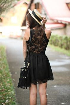 love everything about this. the dress, HAT, purse..