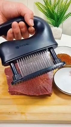 Cool Gadgets To Buy, Cool Kitchen Gadgets, Kitchen Items, Kitchen Hacks, Cool Kitchens, Kitchen Products, Cooking Gadgets, Cooking Tools, Essential Kitchen Tools
