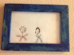 """Eräs vanha äitienpäivälahja. Rakkaat poikani esikoisen piirtämänä. Nyt tämä siniasuinen """"pehkopää"""" on teini ja  puna-asuinen """"kikkarapää"""" tulee kovaa vauhtia perässä! Frame, Home Decor, Picture Frame, Decoration Home, Room Decor, Frames, Hoop, Interior Decorating, Picture Frames"""