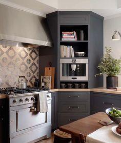 New Kitchen Corner Cabinet Ideas Ikea Ideas Kitchen Corner, Family Kitchen, Corner Pantry, Pantry Cupboard, Corner Cupboard, Corner Cabinet Solutions, New Kitchen Cabinets, Gray Cabinets, Corner Kitchen Cabinets