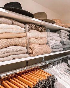 Closet Bedroom, Bedroom Decor, Master Closet, Wardrobe Organisation, Clothing Closet Organization, Apartment Closet Organization, Organization Ideas, The Home Edit, My New Room