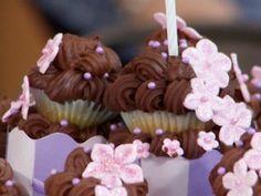 Cupcakes en torre en elgourmet