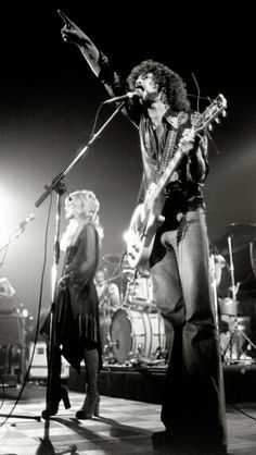Beautiful photo of Stevie Nicks and Lindsey Buckingham. Source unknown.