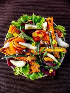 Diabetic meals 291889619583339552 - Salade automnale potiron pommes Source by amandebasilic Quick Vegetarian Meals, Healthy Meals For Two, Healthy Crockpot Recipes, Healthy Salad Recipes, Healthy Snacks, Vegan Recipes, Diabetic Meals, Vegetarian Cooking, Vegan Food