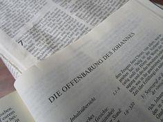 Um was und um wen geht es in der 'Offenbarung' der Bibel?