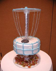 Disc golf cake! OMG I know the next cake Justin is getting !!!:))