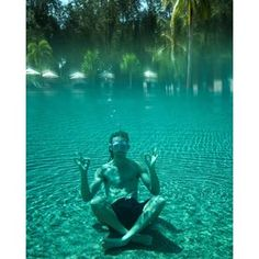 Instagram photo by funforlouis - Underwater meditation! The most relaxing holiday I've ever had! @naturally_langkawi #peaceout ✌