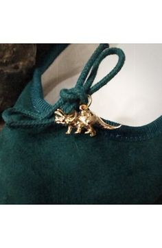 Loving the dinosaur hardware on these repetto ballet flats. Great jade color too.