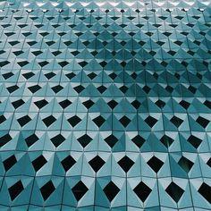 Look Up - Rafael de Cardenas captures Miami architecture