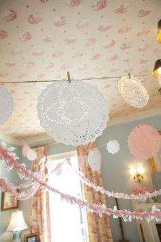 Vintage Tea party - garland idea {via shop sweet lulu} --tiny red clothespins for Christmas or Valentine's Day Girls Tea Party, Princess Tea Party, Tea Party Theme, Tea Party Birthday, 4th Birthday, Birthday Ideas, Vintage Tea Rooms, Party Garland, Doily Garland