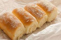 Pan Para 3 panes medianos 850 grs.de harina de trigo todo uso 550 ml. de agua (2 tazas) 50 grs. (una cucha...