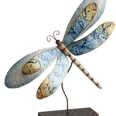 Capiz Dragonflies on Stands!!! LOVE THIS